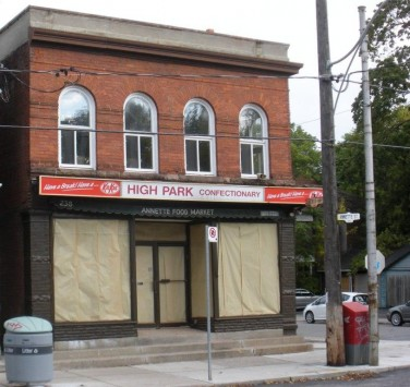 238 ANNETTE ST -  new coffee shop 001